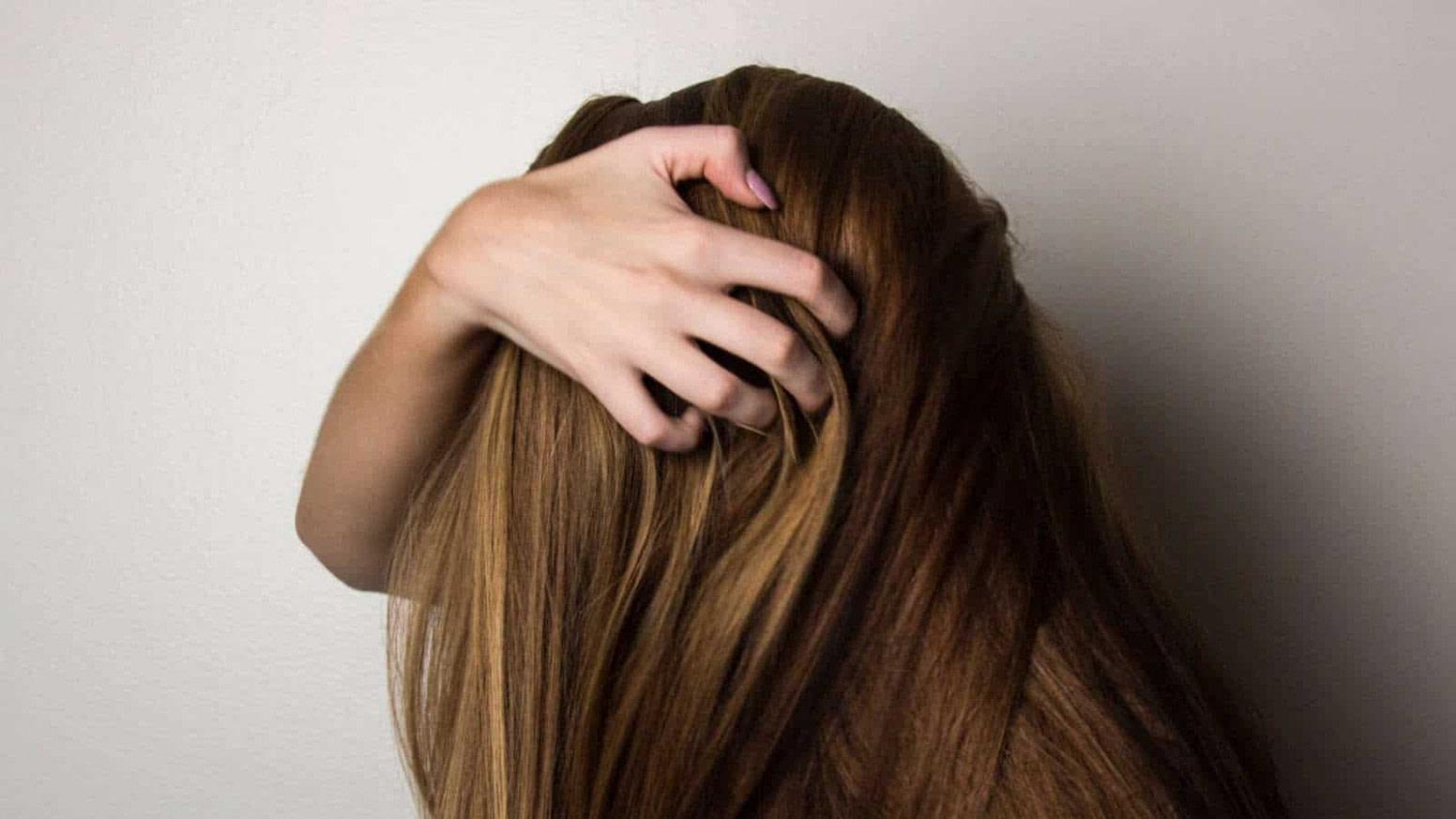 Luxus Geheimratsecken bei der Frau: Ursachen, Infos und Tipps  Beauty - frisuren für ältere männer mit geheimratsecken