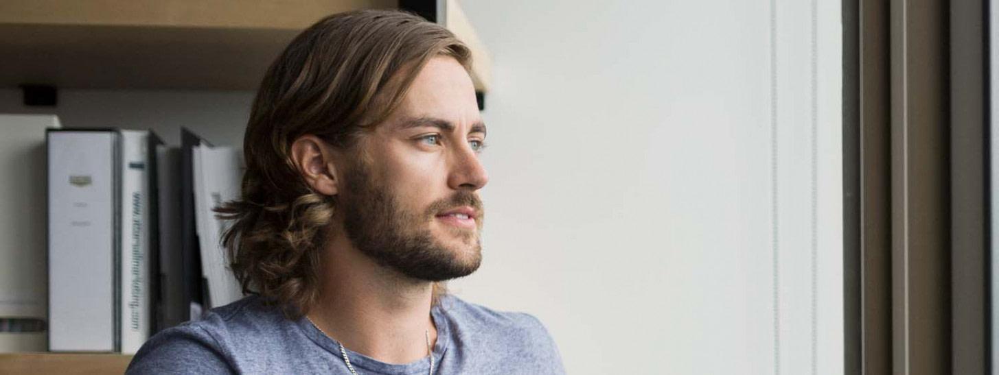 neu Welche modernen Langhaarfrisuren gibt es für Männer? - frisuren für männer ab 50 jahren