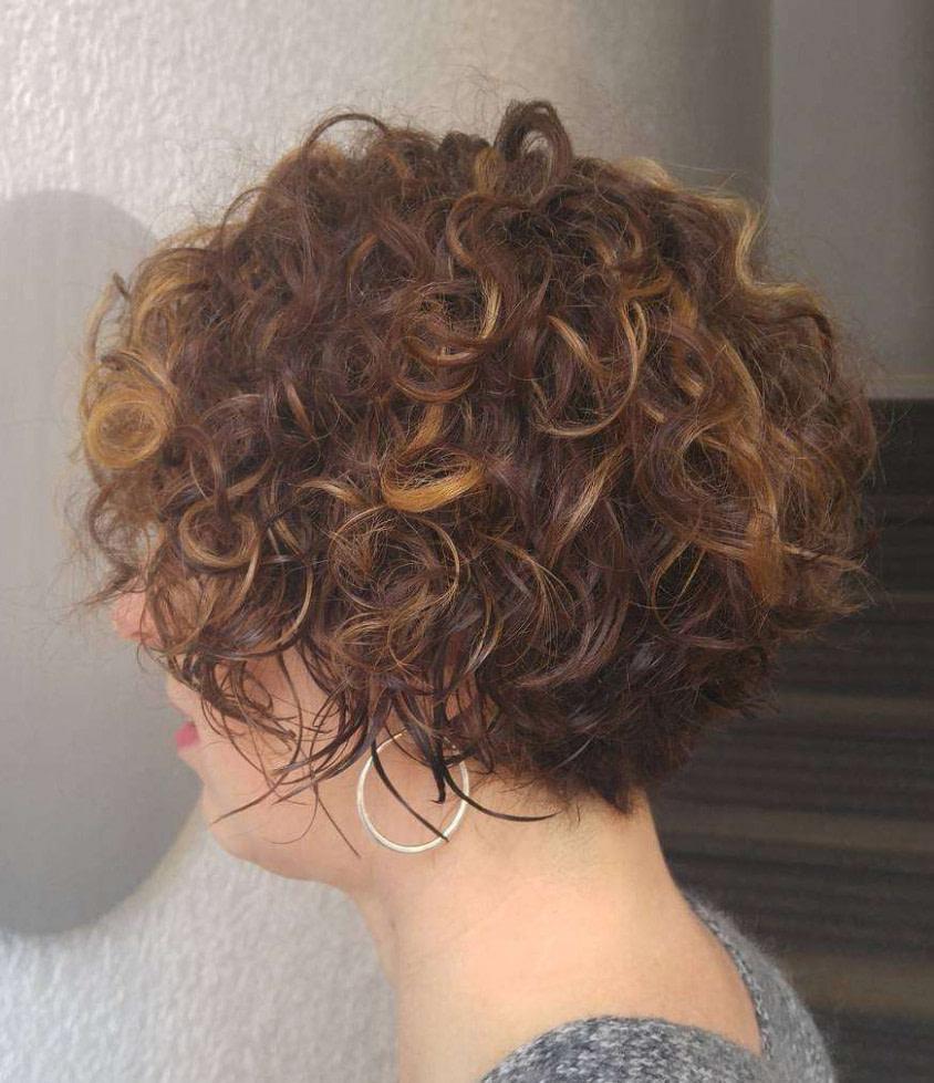 Undercut Locken Frauen – So vielseitig lassen sich kurze Haare
