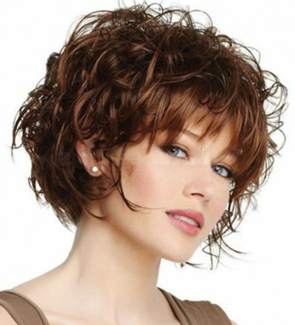 Frisuren Ab 50 Braun  Frisuren, Frisuren für lockiges
