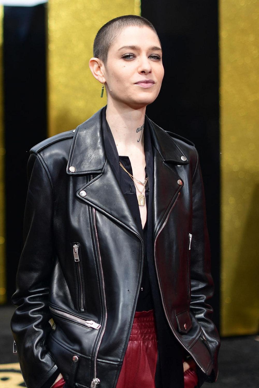 Non Binary Mode: Für Asia Kate Dillon Ist Bademode Ein Albtraum  - Asia Frisuren Männer