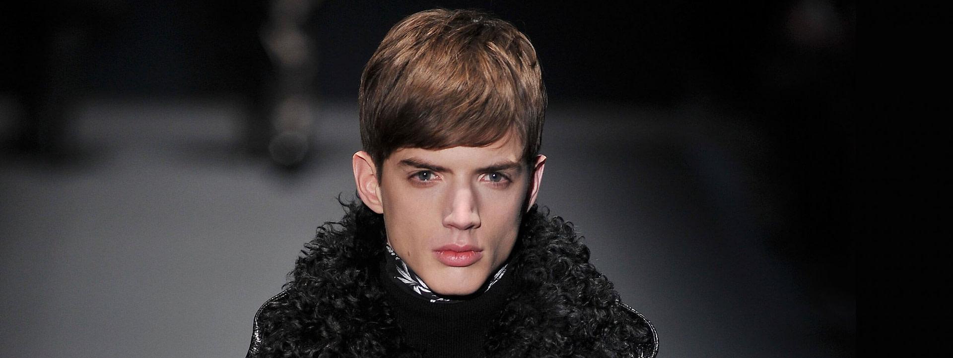 Schönheit Männerfrisuren mit Pony: Die coolsten Stylings - männer frisuren vorne lang hinten kurz