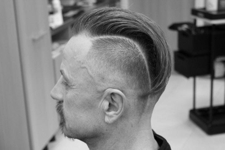Nach oben Irokesenschnitt modern stylen: 50 Iro Frisur Ideen für  - frisuren männer irokese