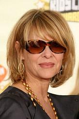 15 Frisuren für Frauen über 50 mit Brille