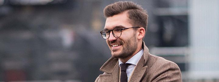 schön Frisuren bei Geheimratsecken: Die besten Tipps & Tricks