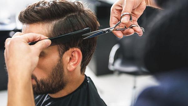 Schönheit Haare selber schneiden: So schneidest du deinem Mann die Haare