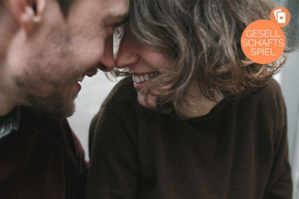Nach oben Ältere Frau, jüngerer Mann: Warum es okay sein muss, so zu lieben - frisuren für ältere männer mit geheimratsecken