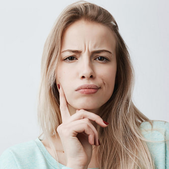 Nach oben Hohe Stirn: Mit diesen Tricks wirkt sie schmaler!  BRIGITTE.de
